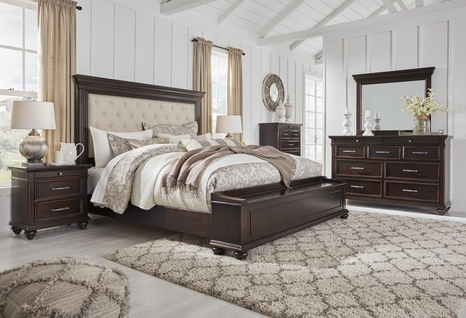 Signature Design by Ashley Brynhurst 5 Piece Queen Size Bedroom Set