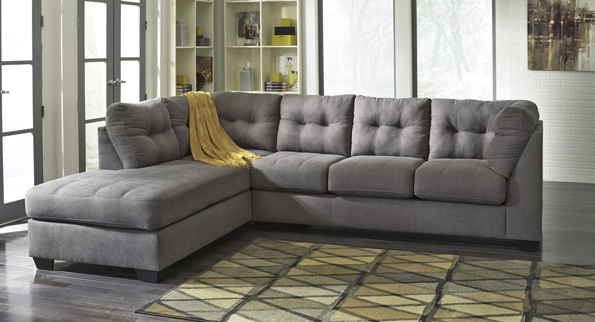 Benchcraft Maier Series Stationary Fabric Sofa
