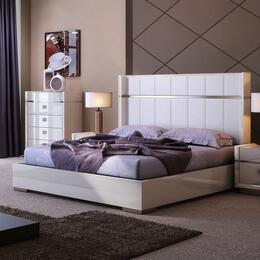 J and M Furniture 18217K