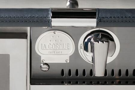 La Cornue Shown in Chrome